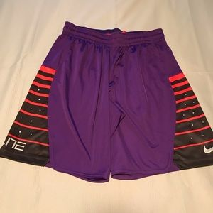 Women's Nike Elite Shorts NWOT